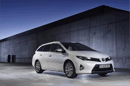 2013 Toyota Hybrid Touring Sports 26