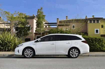 2013 Toyota Hybrid Touring Sports 27