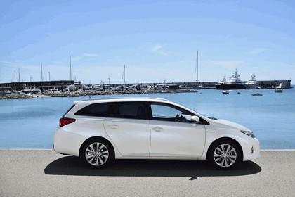 2013 Toyota Hybrid Touring Sports 29