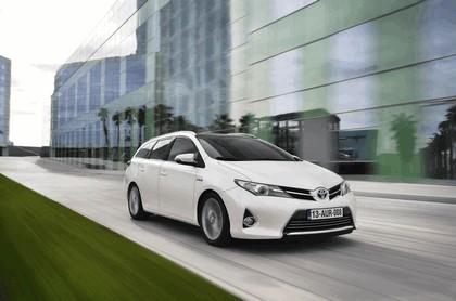 2013 Toyota Hybrid Touring Sports 34
