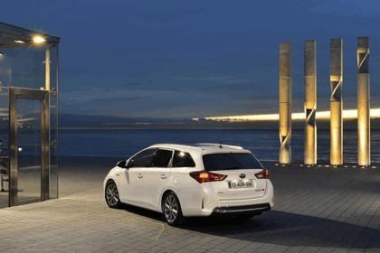 2013 Toyota Hybrid Touring Sports 45