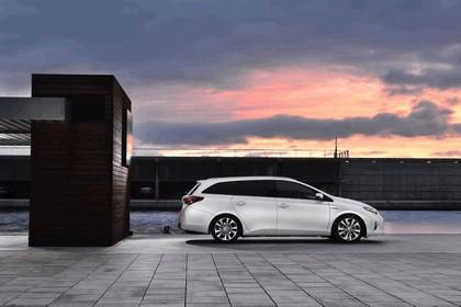 2013 Toyota Hybrid Touring Sports 46