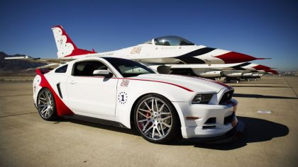 2013 Ford Mustang GT - U.S. Air Force Thunderbirds edition 4