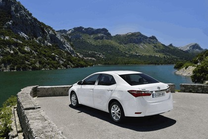 2013 Toyota Corolla - Europe version 3
