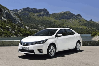 2013 Toyota Corolla - Europe version 4