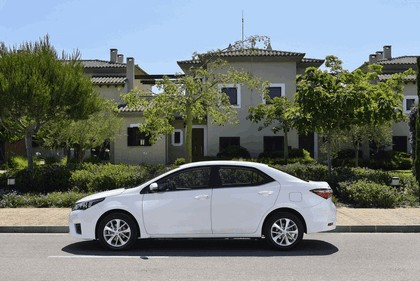 2013 Toyota Corolla - Europe version 11