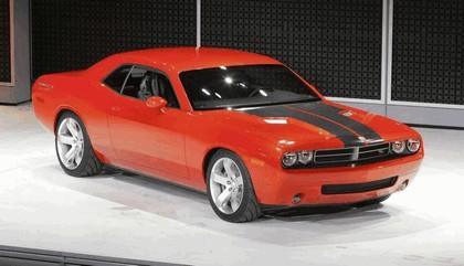 2007 Dodge Challenger RT concept 17