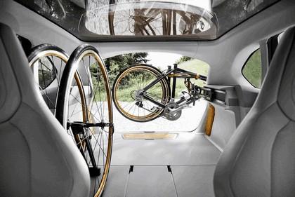 2013 BMW Concept Active Tourer Outdoor 27