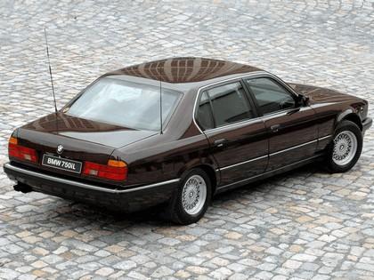 1987 BMW 750iL ( E32 ) Security 2