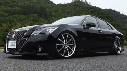 2013 Toyota Crown ( S210 ) Athlete Bold World 4
