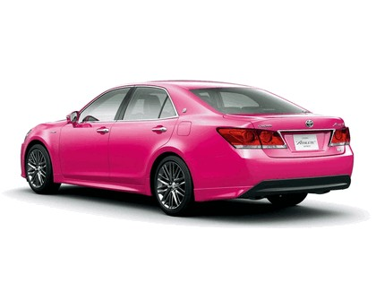 2013 Toyota Crown ( S210 ) Hybrid Athlete Pink 2