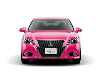 2013 Toyota Crown ( S210 ) Hybrid Athlete Pink 3