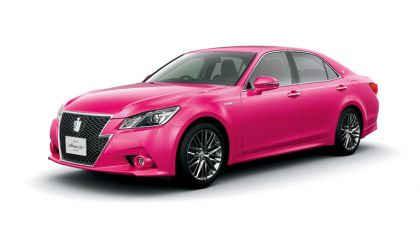 2013 Toyota Crown ( S210 ) Hybrid Athlete Pink 2
