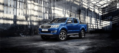 2013 Toyota Hilux Invincible 1