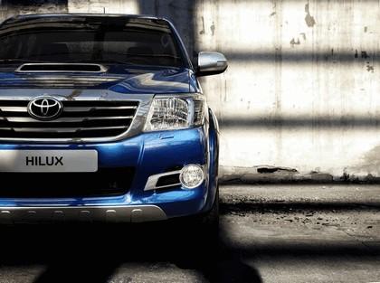 2013 Toyota Hilux Invincible 11