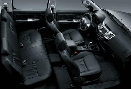 2013 Toyota Hilux Invincible 14