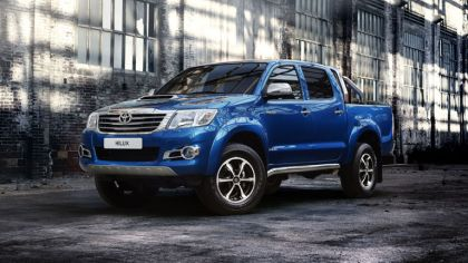 2013 Toyota Hilux Invincible 8