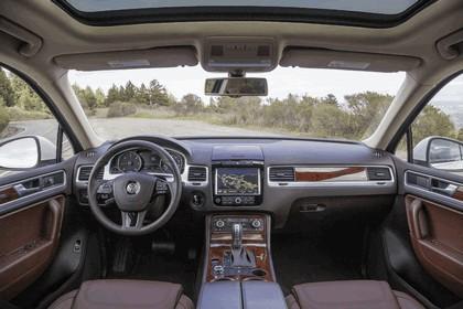 2014 Volkswagen Touareg V6 TDI R-Line - USA version 19