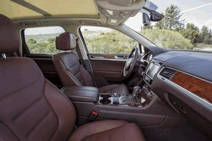 2014 Volkswagen Touareg V6 TDI R-Line - USA version 20