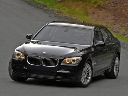 2010 BMW 740i ( F01 ) - USA version 2