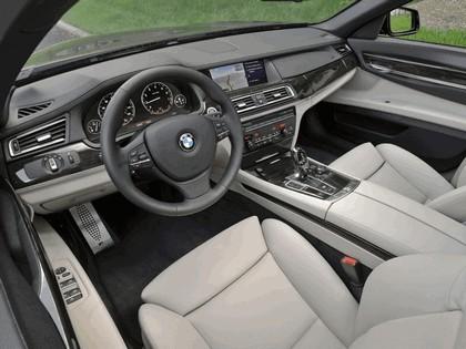 2010 BMW 740i ( F01 ) - USA version 5