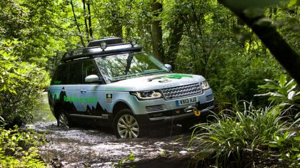 2013 Land Rover Range Rover ( L405 ) SD V6 hybrid prototype 9