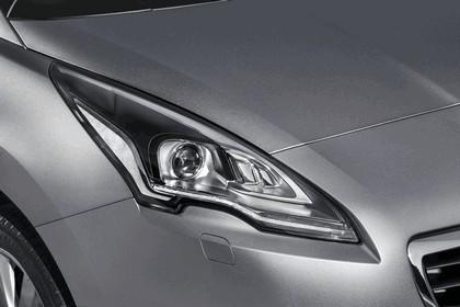 2013 Peugeot 5008 9