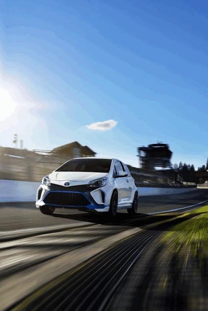 2013 Toyota Yaris Hybrid-R concept 2