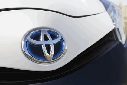 2013 Toyota Yaris Hybrid-R concept 13