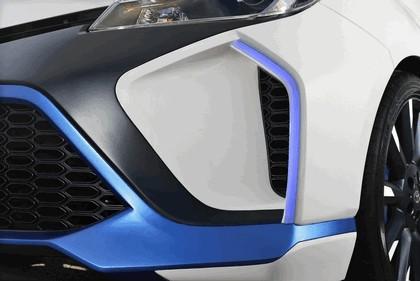 2013 Toyota Yaris Hybrid-R concept 15