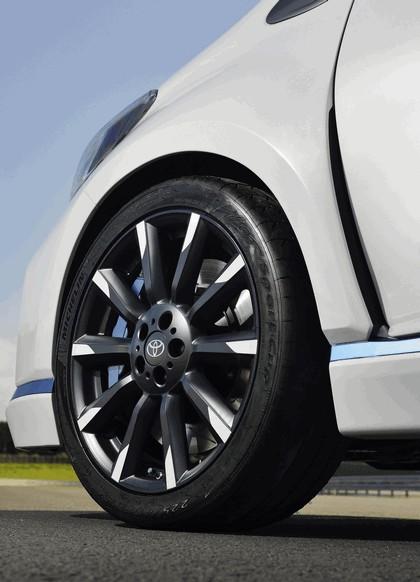 2013 Toyota Yaris Hybrid-R concept 17