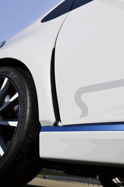2013 Toyota Yaris Hybrid-R concept 18