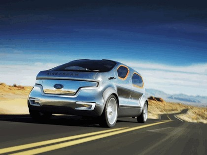 2007 Ford Airstream concept 2