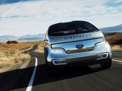 2007 Ford Airstream concept 6