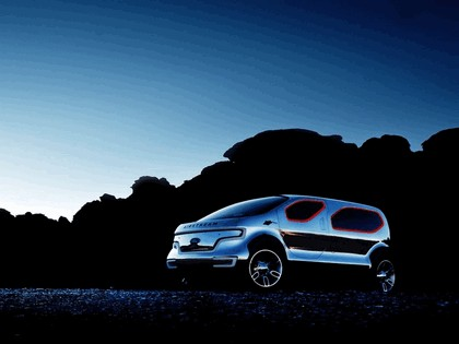2007 Ford Airstream concept 12