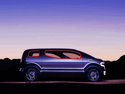2007 Ford Airstream concept 13
