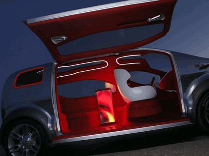 2007 Ford Airstream concept 16