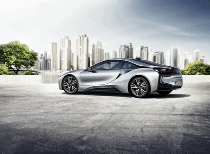 2014 BMW i8 18