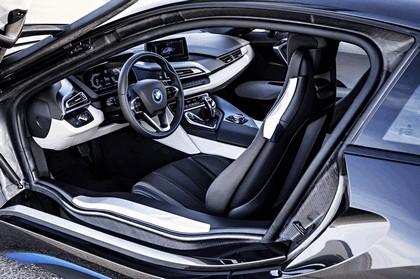 2014 BMW i8 35