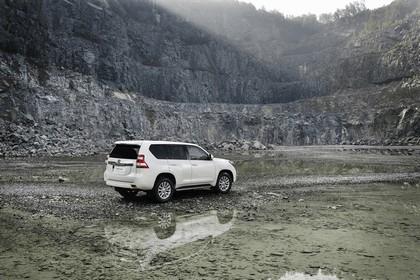 2014 Toyota Land Cruiser 8