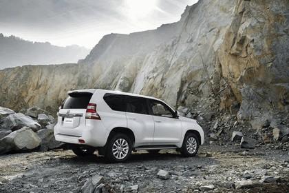 2014 Toyota Land Cruiser 12