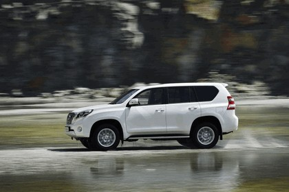 2014 Toyota Land Cruiser 36