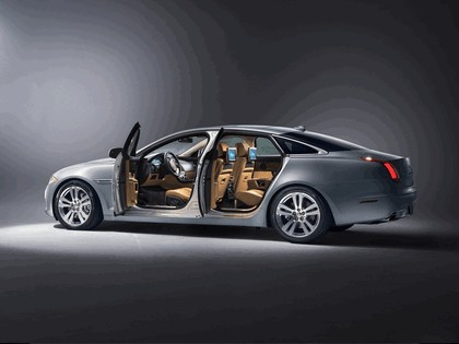 2014 Jaguar XJ 3