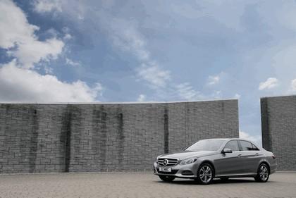 2013 Mercedes-Benz E220 CDI - UK version 1