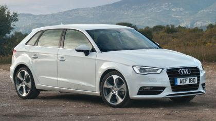 2013 Audi A3 Sportback Sport - UK version 3