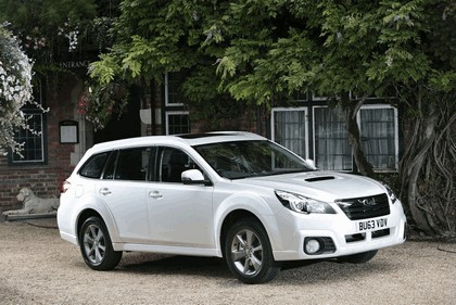 2013 Subaru Outback 2.0D SZ Lineartronic - UK version 1