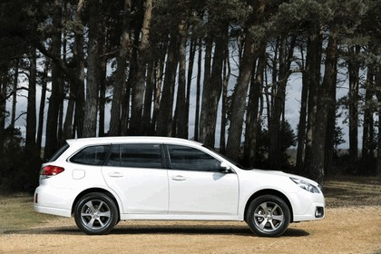2013 Subaru Outback 2.0D SZ Lineartronic - UK version 4