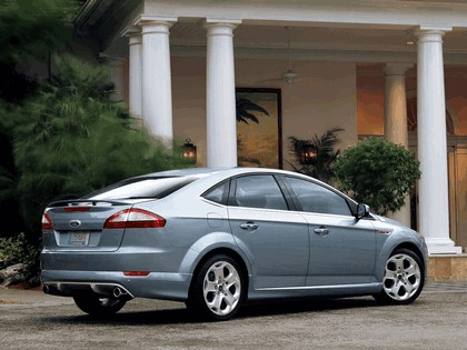 2007 Ford Mondeo in James Bond 007 - Casino Royale 2