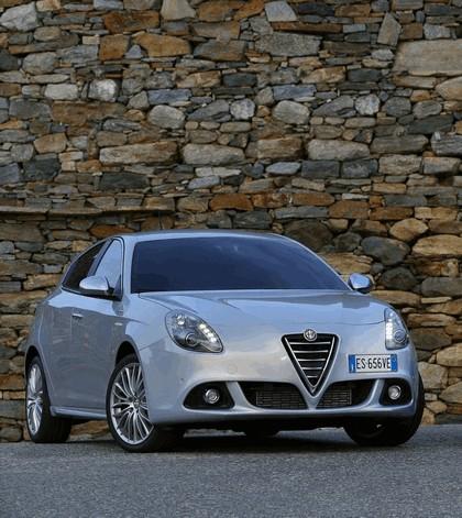 2014 Alfa Romeo Giulietta 4