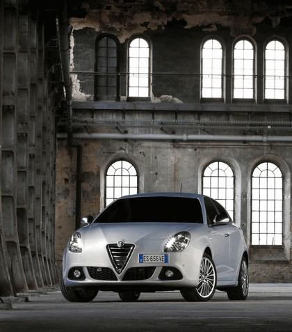 2014 Alfa Romeo Giulietta 8